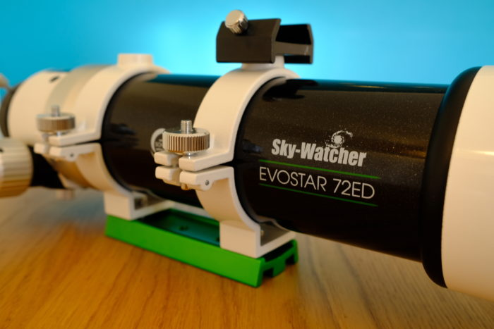 SkyWatcher Evostar 72ED dovetail bar and support rings